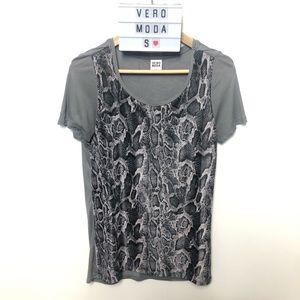 🍀Vero Moda Snake T-shirt